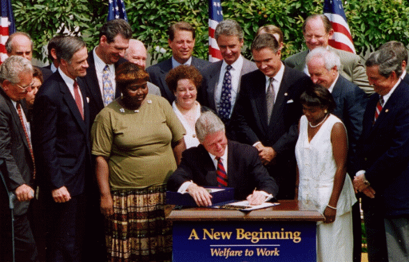 President Bill Clinton signing welfare reform legislation. (Photo credit: Wikipedia)
